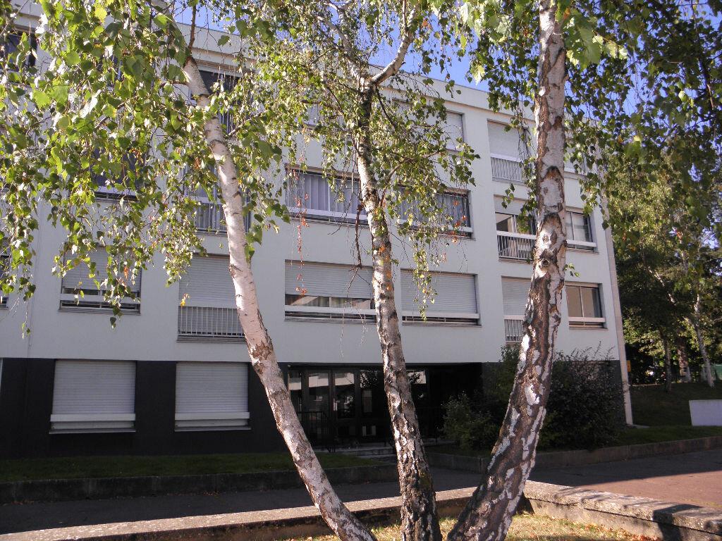 Achat Appartement 1 pièce à Le Plessis-Robinson - vignette-1