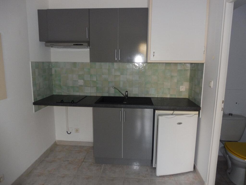 Location Appartement 2 pièces à Pertuis - vignette-2