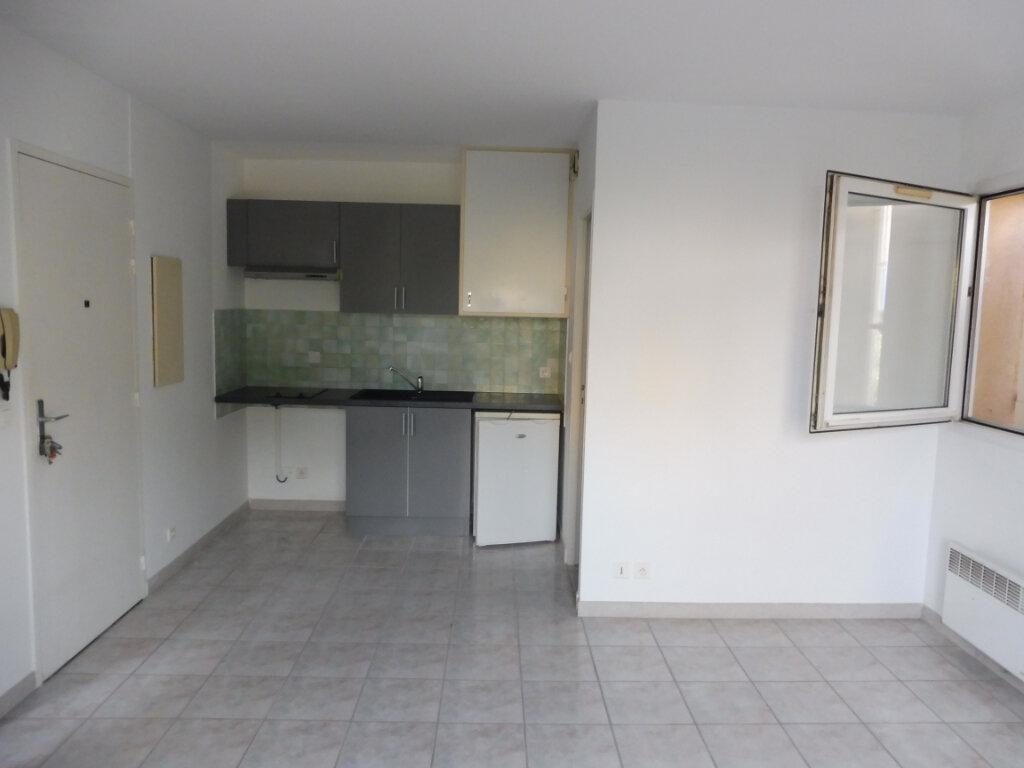 Location Appartement 2 pièces à Pertuis - vignette-3