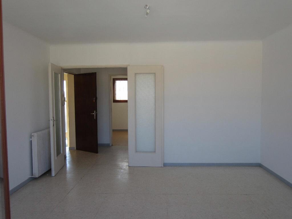 Location Appartement 4 pièces à Pertuis - vignette-1