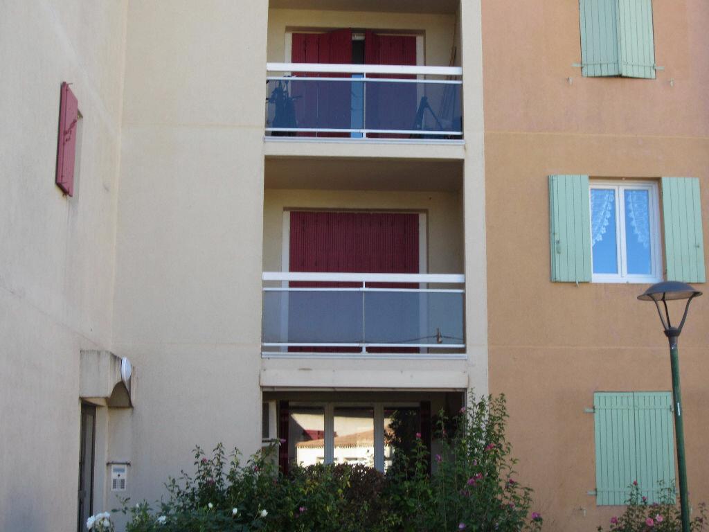 Location Appartement 1 pièce à Pertuis - vignette-1