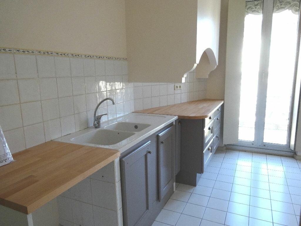 Location Appartement 6 pièces à Avignon - vignette-1