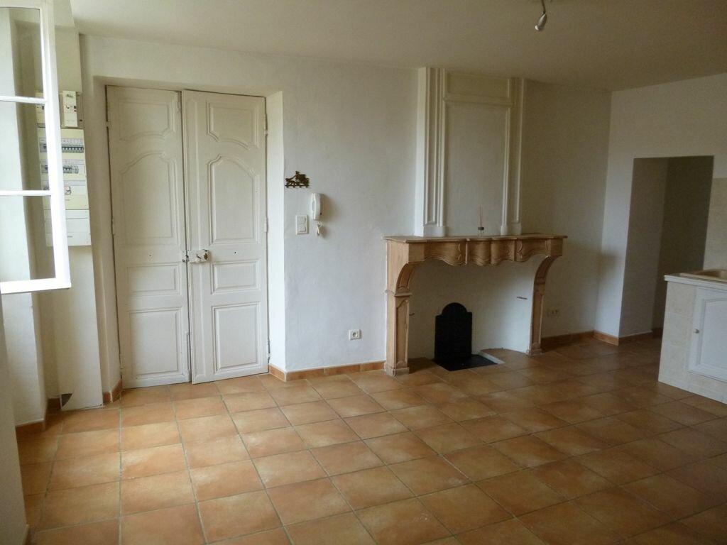 Location Appartement 2 pièces à Sarrians - vignette-1