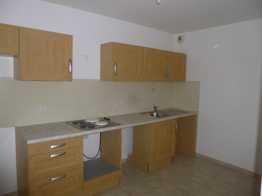 Achat Appartement 4 pièces à Carpentras - vignette-2