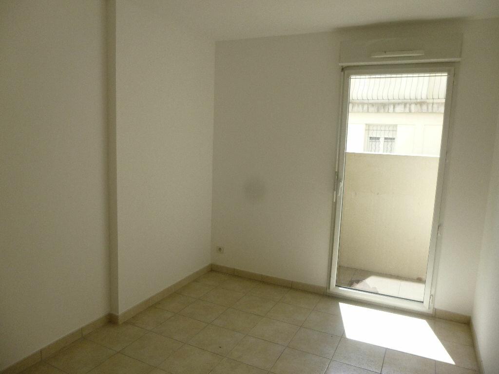 Achat Appartement 4 pièces à Carpentras - vignette-5