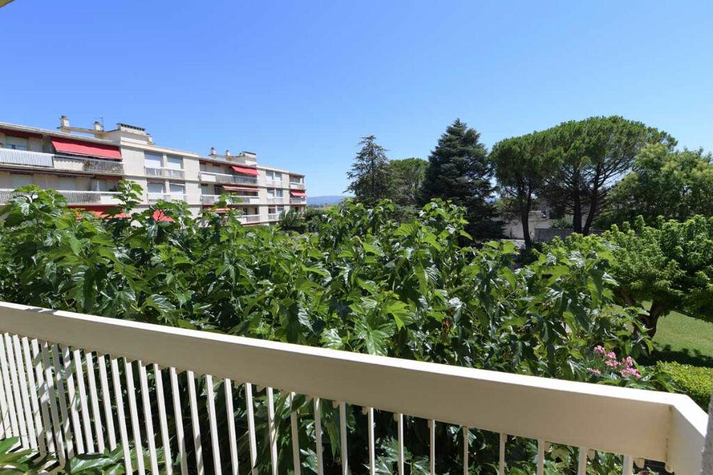 Location Appartement 4 pièces à Carpentras - vignette-1