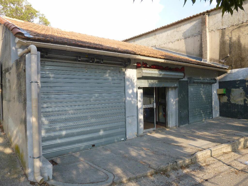 Achat Local commercial  à Carpentras - vignette-1