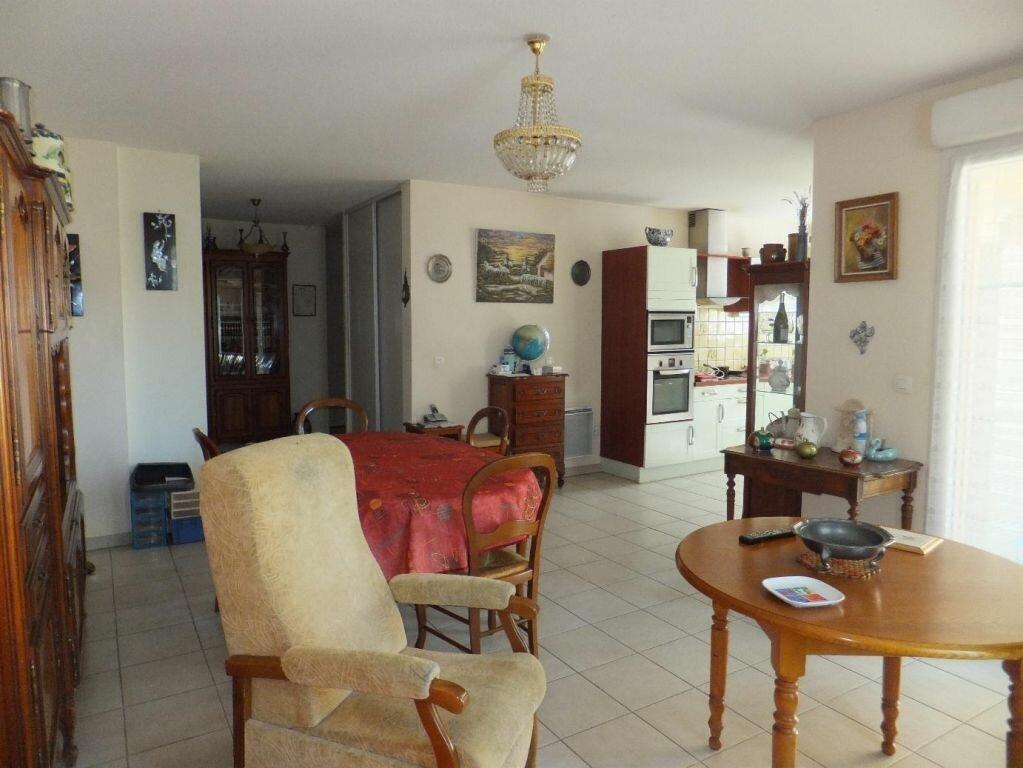 Achat Appartement 3 pièces à Vaison-la-Romaine - vignette-2