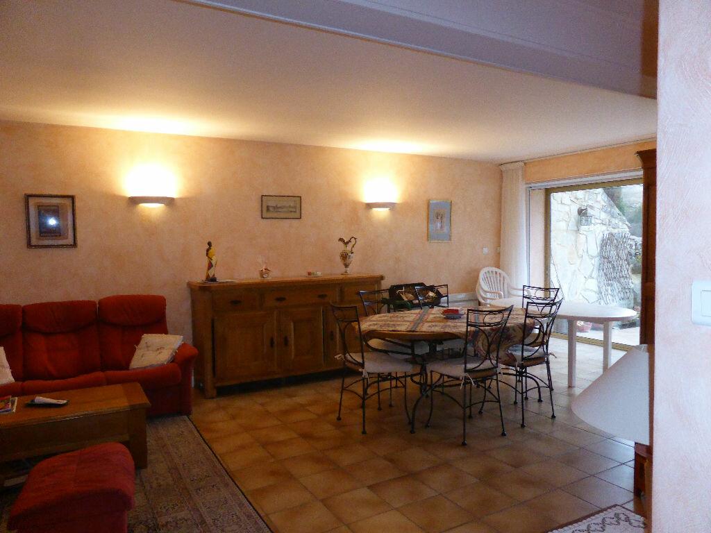 Achat Appartement 4 pièces à Vaison-la-Romaine - vignette-5
