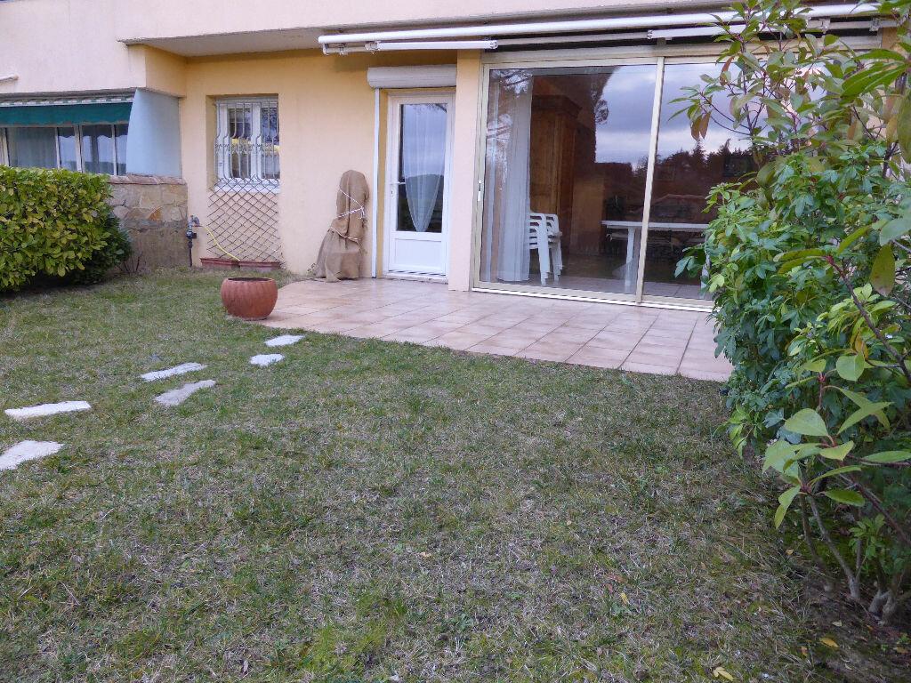Achat Appartement 4 pièces à Vaison-la-Romaine - vignette-8