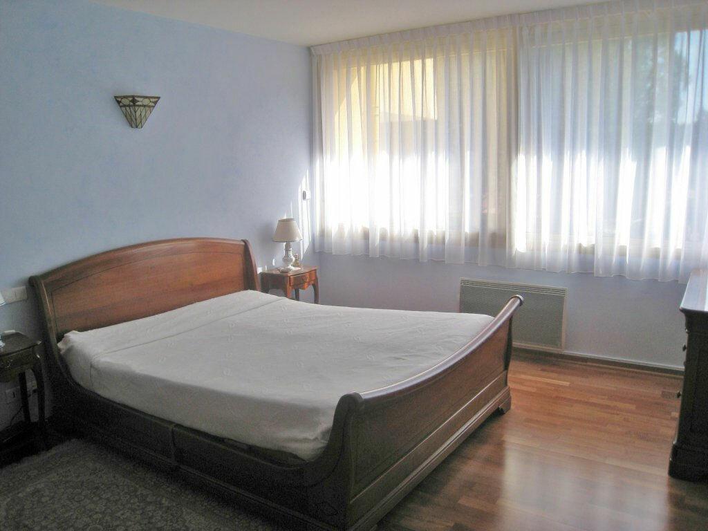 Achat Appartement 4 pièces à Vaison-la-Romaine - vignette-10