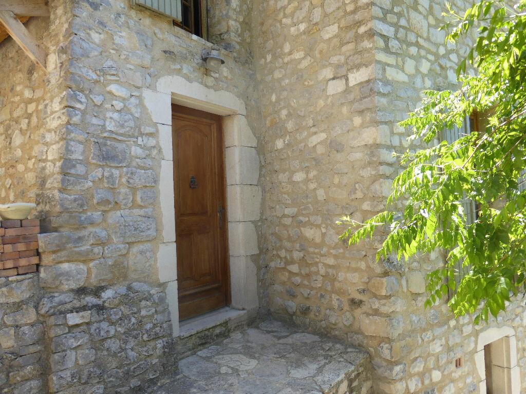 Achat Maison 4 pièces à Saint-Léger-du-Ventoux - vignette-9