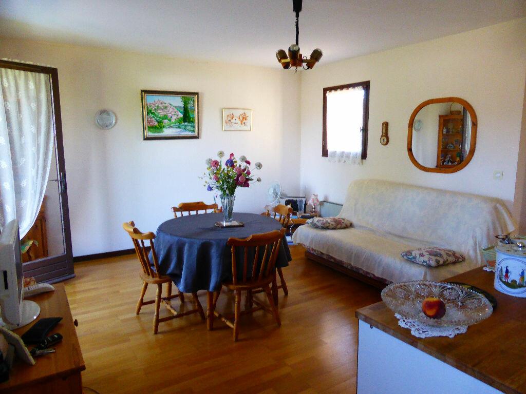 Achat Appartement 1 pièce à Vaison-la-Romaine - vignette-3