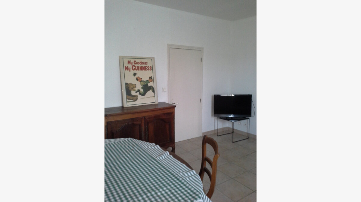 Location Maison 2 pièces à Domazan - vignette-3