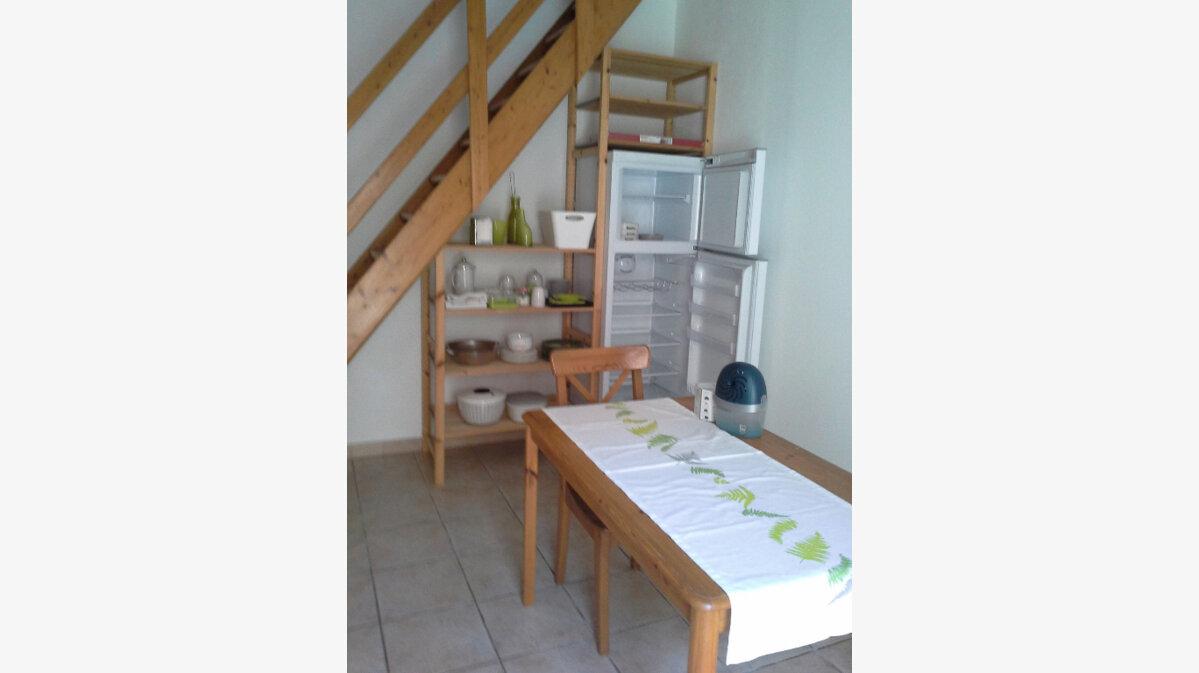 Location Maison 2 pièces à Domazan - vignette-4
