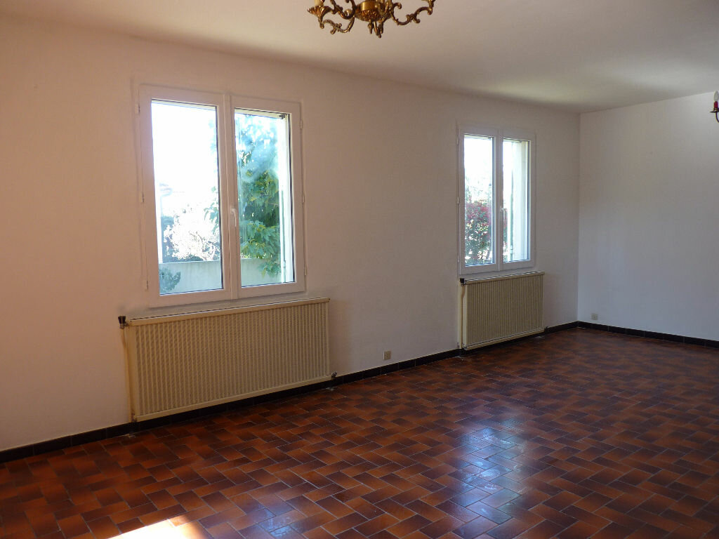 Achat Maison 4 pièces à Beaucaire - vignette-2