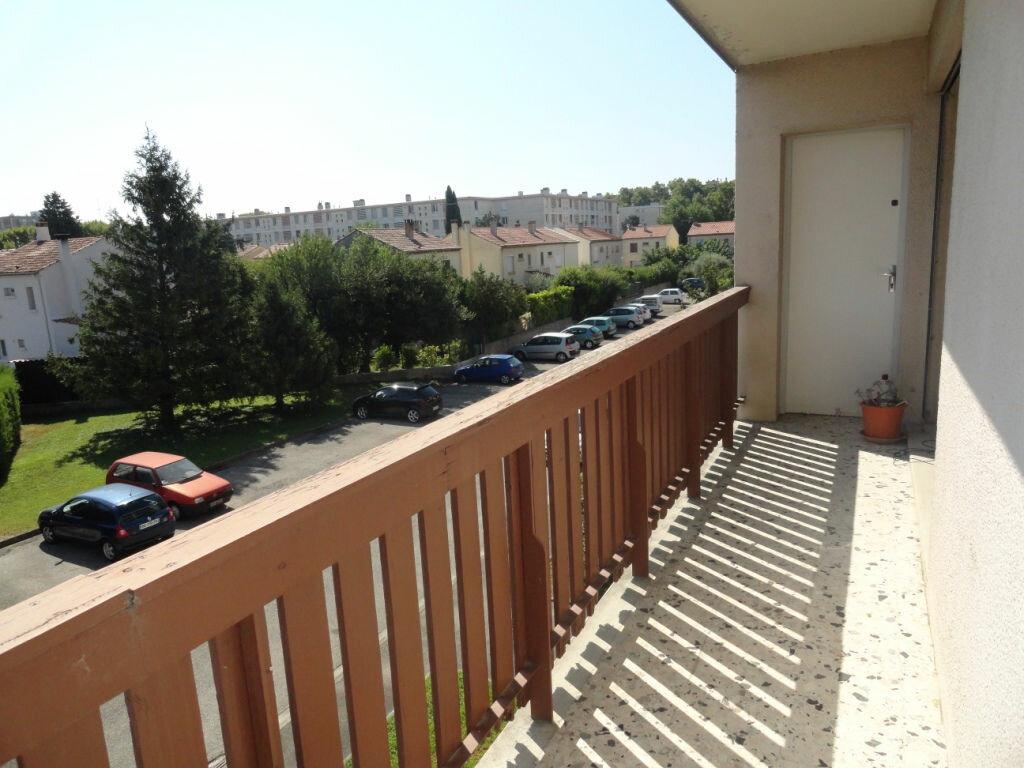 Achat Appartement 4 pièces à Avignon - vignette-2