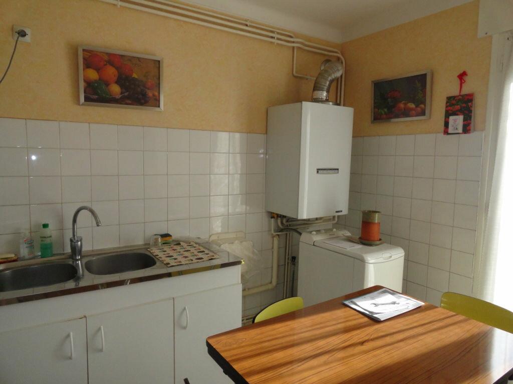 Achat Appartement 4 pièces à Avignon - vignette-3
