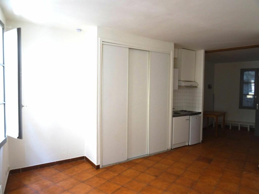 Location Appartement 1 pièce à Avignon - vignette-1