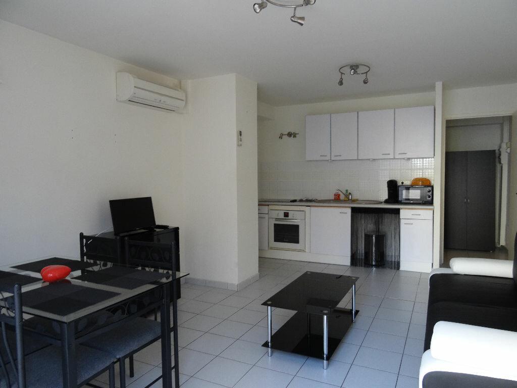 Achat Appartement 1 pièce à Les Angles - vignette-1