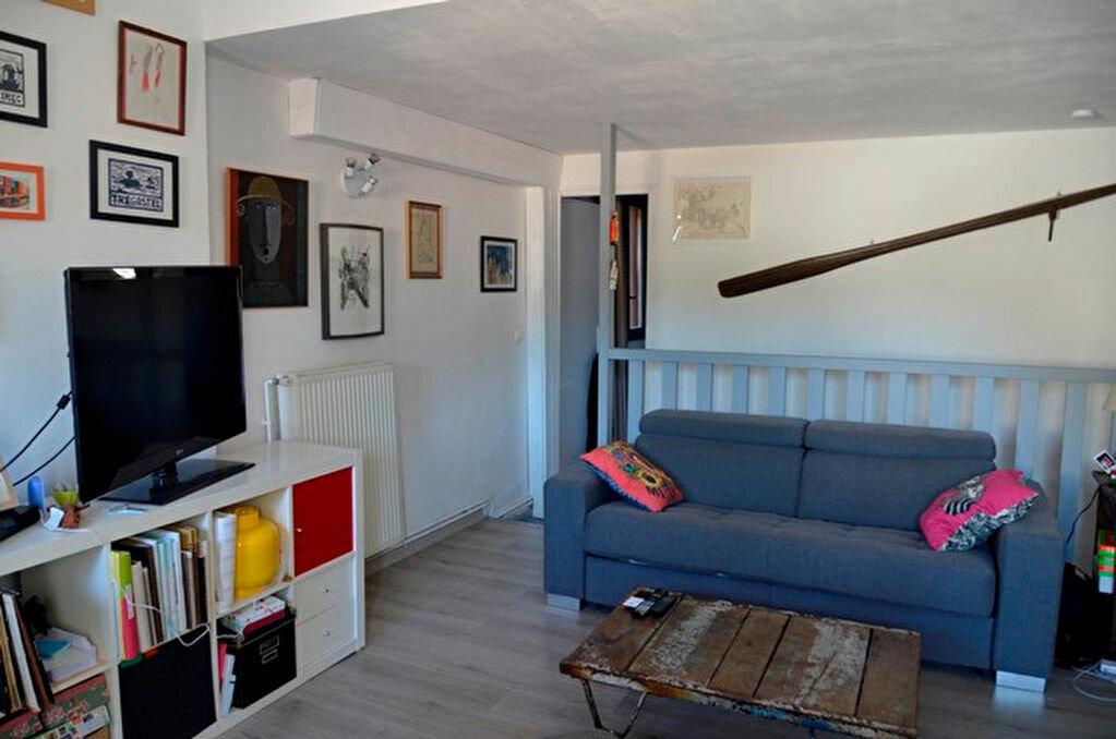 Achat Maison 4 pièces à Rochefort-du-Gard - vignette-2