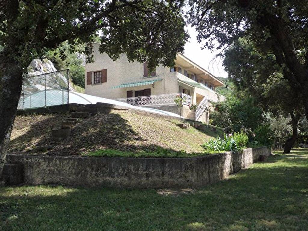 Achat Maison 6 pièces à Rochefort-du-Gard - vignette-1