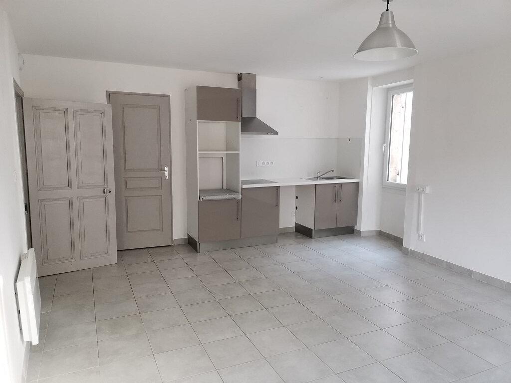 Location Appartement 3 pièces à Rochefort-du-Gard - vignette-1