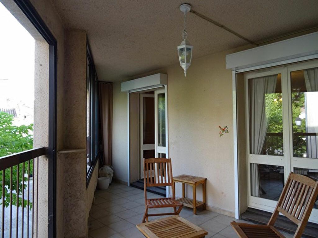 Achat Appartement 3 pièces à Roquemaure - vignette-1