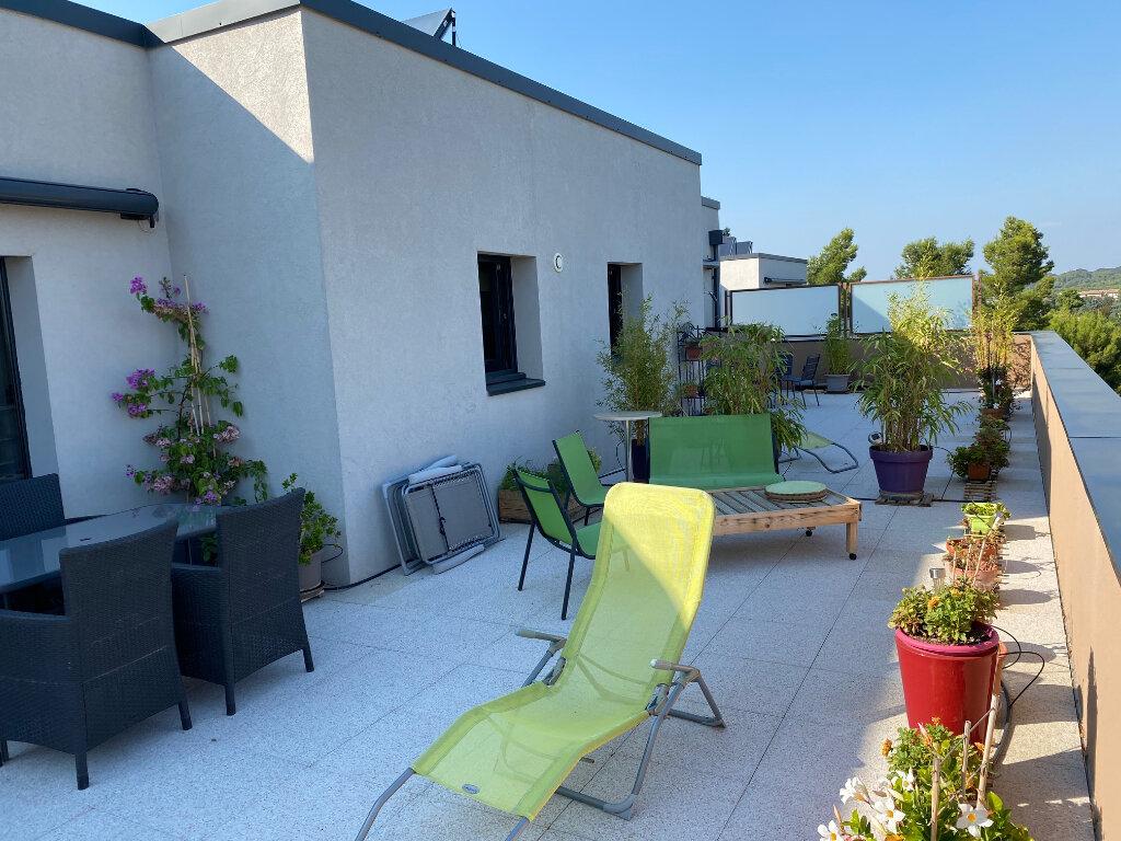Location Appartement 4 pièces à Villeneuve-lès-Avignon - vignette-1