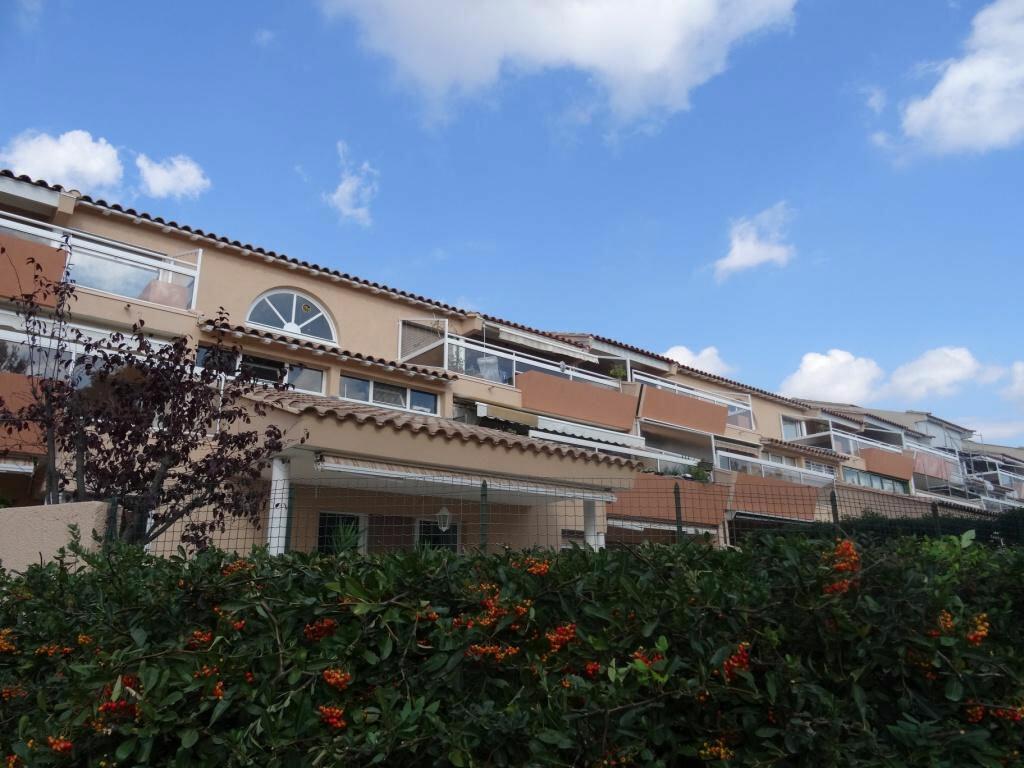 Achat Appartement 3 pièces à Villeneuve-lès-Avignon - vignette-1