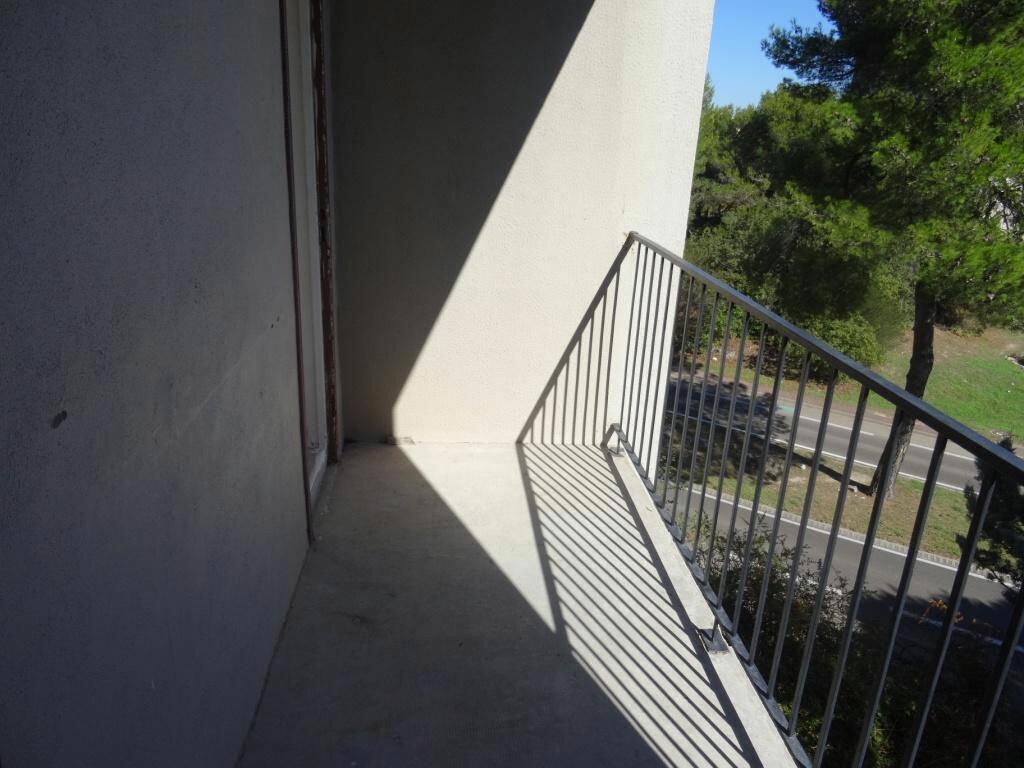 Achat Appartement 3 pièces à Villeneuve-lès-Avignon - vignette-5