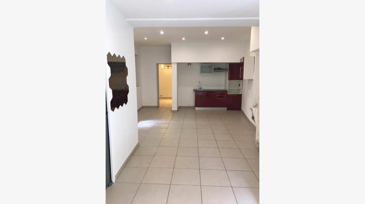 Achat Appartement 1 pièce à Rochefort-du-Gard - vignette-2