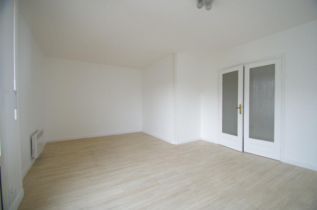 Location Appartement 3 pièces à Angoulins - vignette-1