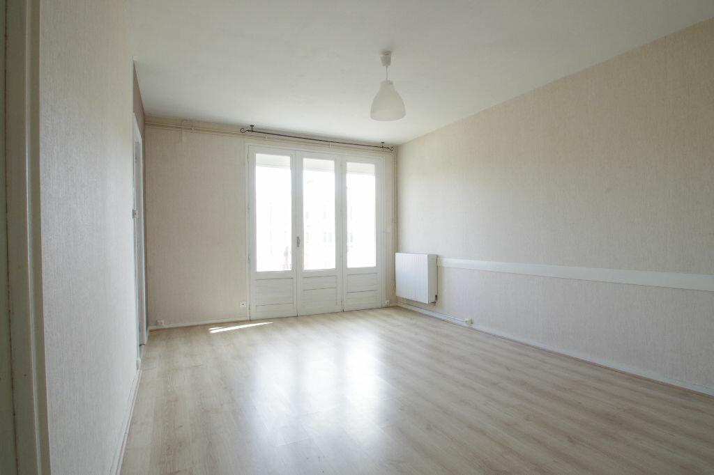 Location Appartement 3 pièces à La Rochelle - vignette-2