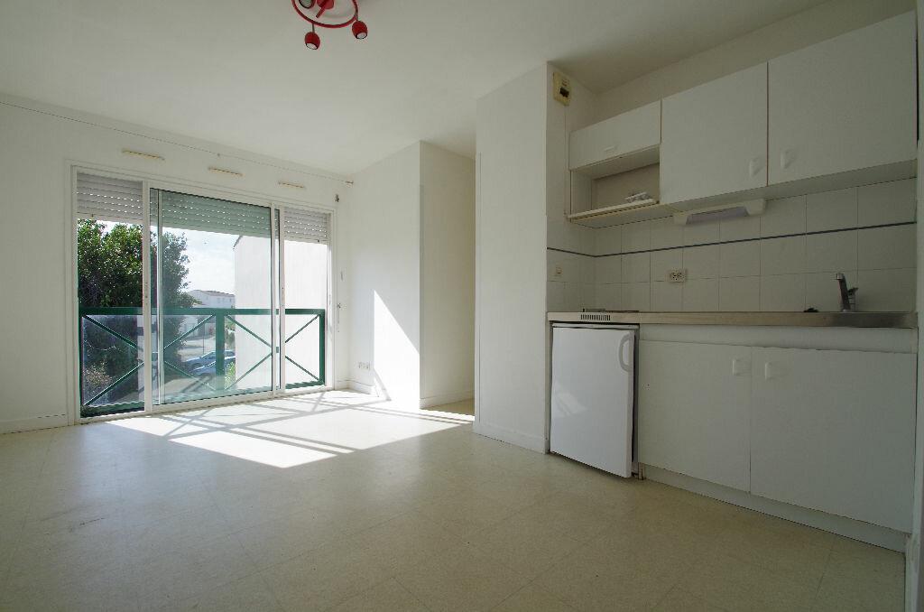 Location Appartement 1 pièce à La Rochelle - vignette-1