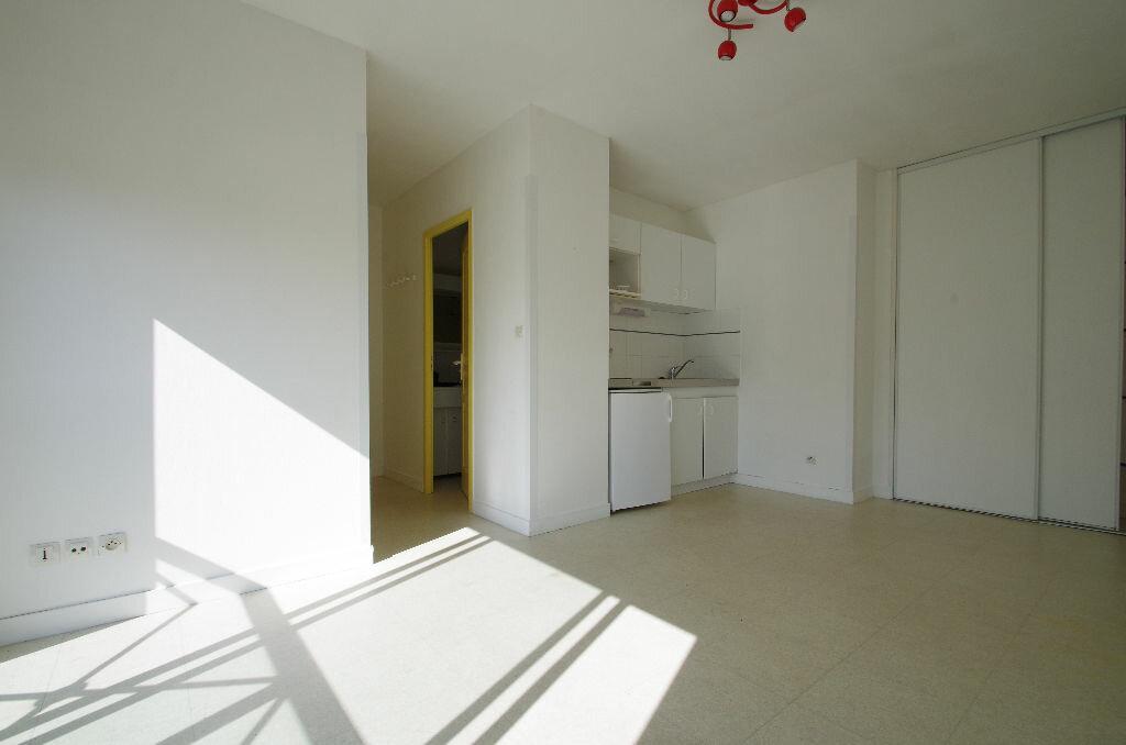 Location Appartement 1 pièce à La Rochelle - vignette-3