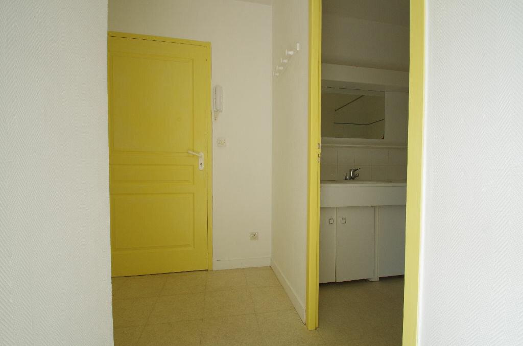Location Appartement 1 pièce à La Rochelle - vignette-5