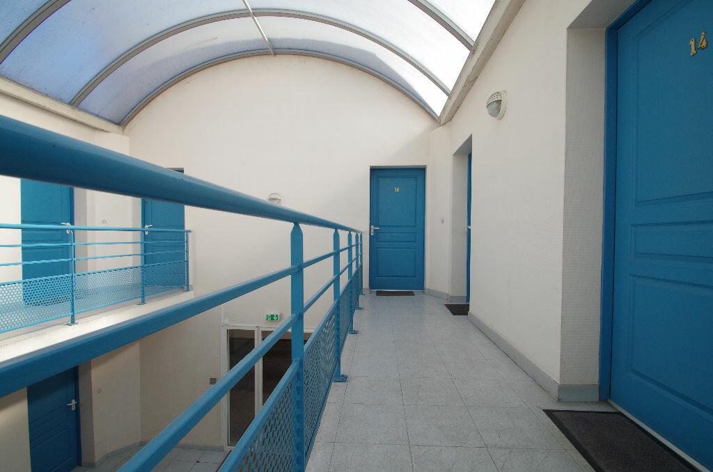 Location Appartement 1 pièce à La Rochelle - vignette-6