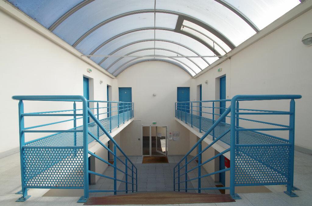 Location Appartement 1 pièce à La Rochelle - vignette-7