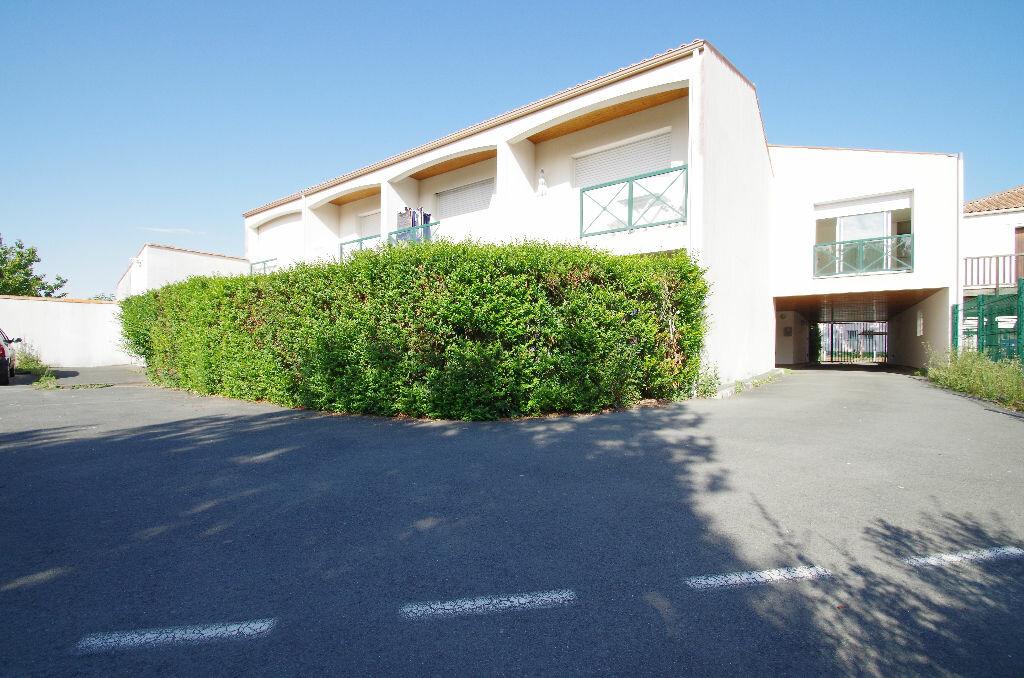 Location Appartement 1 pièce à La Rochelle - vignette-8