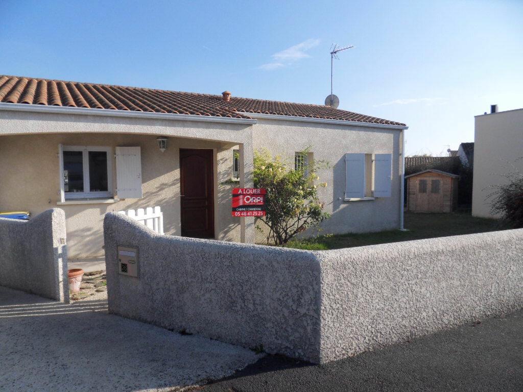 Location Maison 4 pièces à La Rochelle - vignette-1