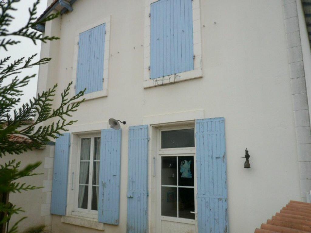 Achat Maison 4 pièces à Le Gué-d'Alleré - vignette-1