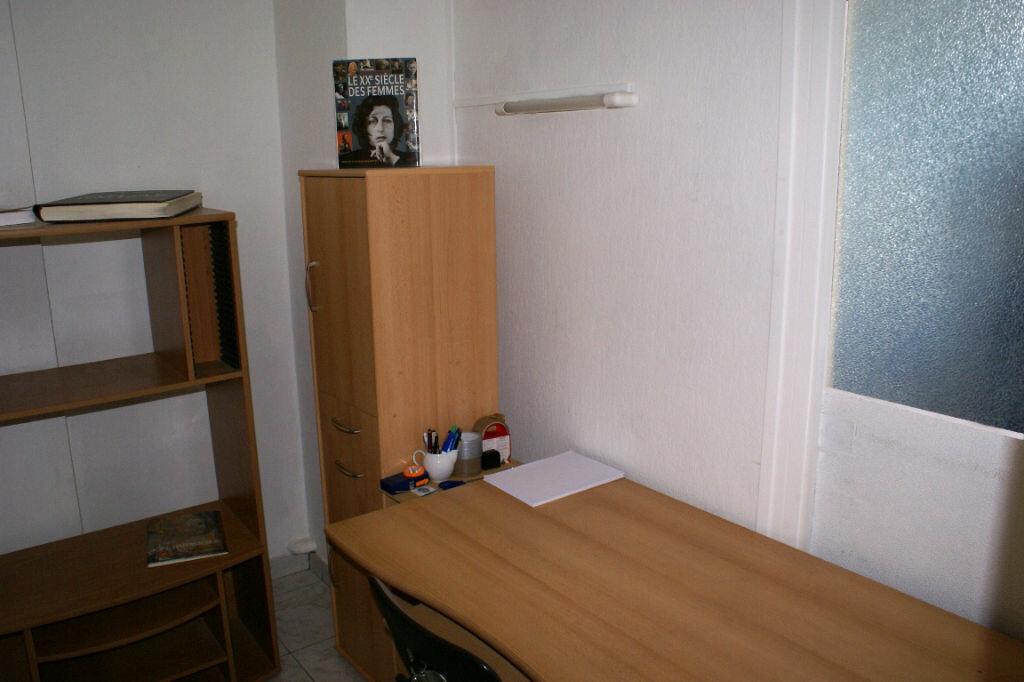 Achat Appartement 4 pièces à La Rochelle - vignette-10