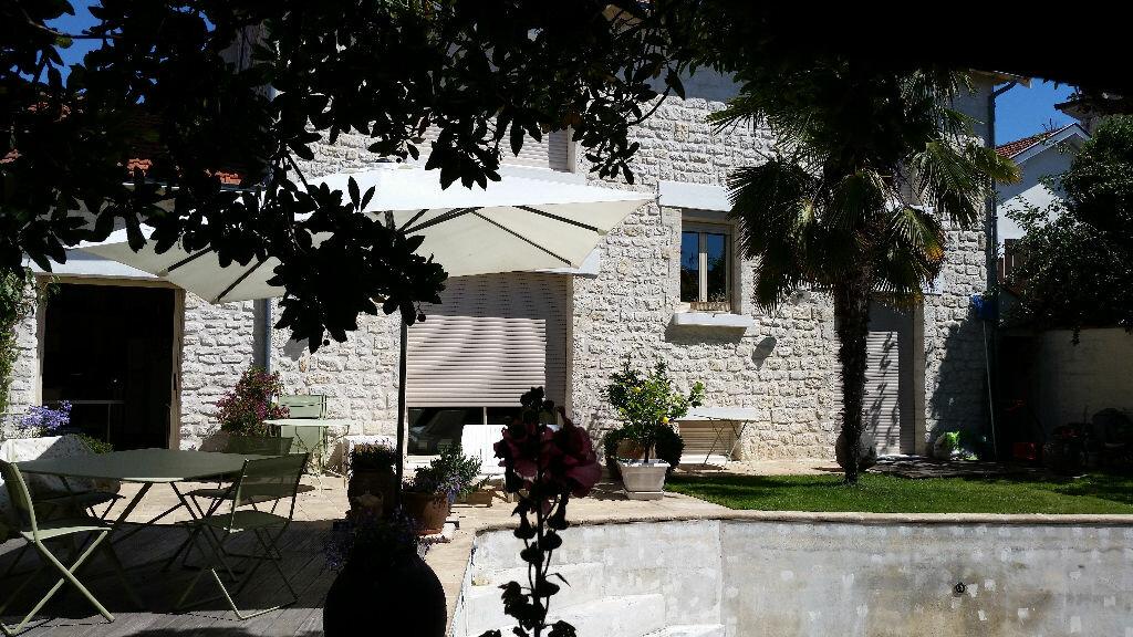 Achat Maison 9 pièces à La Rochelle - vignette-1