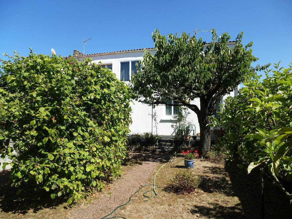 Achat Maison 4 pièces à La Rochelle - vignette-1