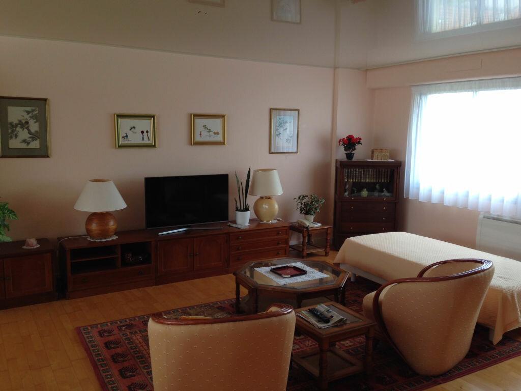 Achat Appartement 4 pièces à La Rochelle - vignette-2