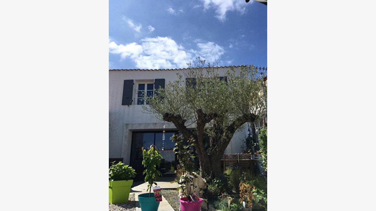 Achat Maison 5 pièces à Sainte-Marie-de-Ré - vignette-1