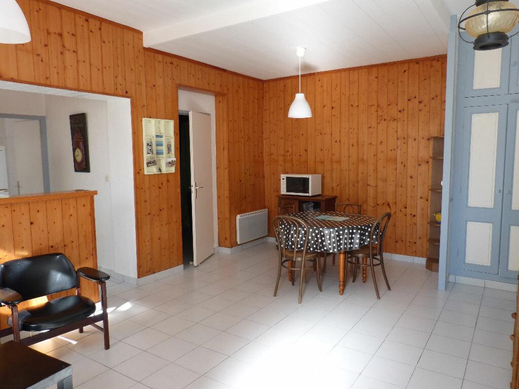 Achat Maison 4 pièces à Le Bois-Plage-en-Ré - vignette-1