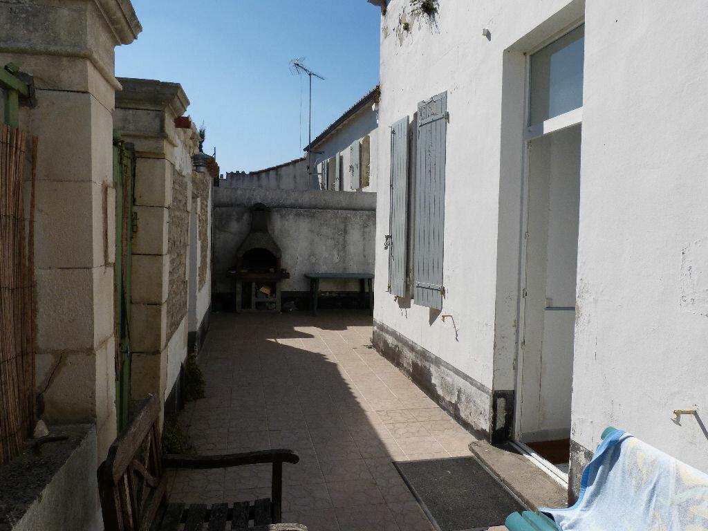 Achat Maison 4 pièces à Le Bois-Plage-en-Ré - vignette-2