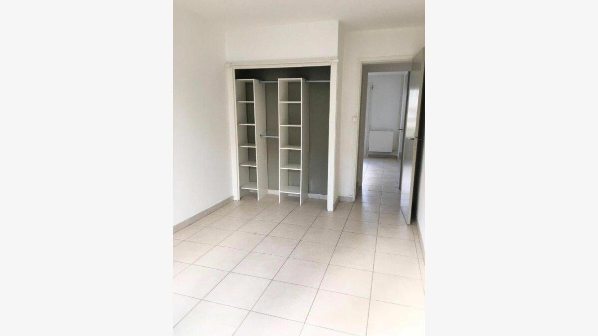 Location Appartement 3 pièces à La Rochelle - vignette-1